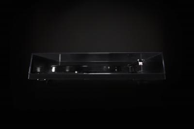 NAD Belt Drive Turntable With Pre-mounted Cartridge - C 556