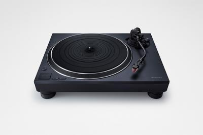Technics Direct Drive Turntable System With Built-In Phono Equalizer And Cartridge In Black - SL-1500C (B)
