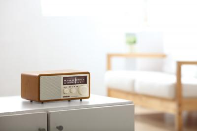 Sangean FM / AM Analog Wooden Cabinet Receiver - WR-11 (Wnt)