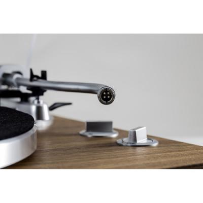 Teac Belt-driven turntable with S-shaped tonearm-TN-400S-WA