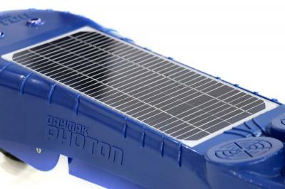 Daymak Electirc Kick Scooter With Solar Panel In Blue - Photon (BL)